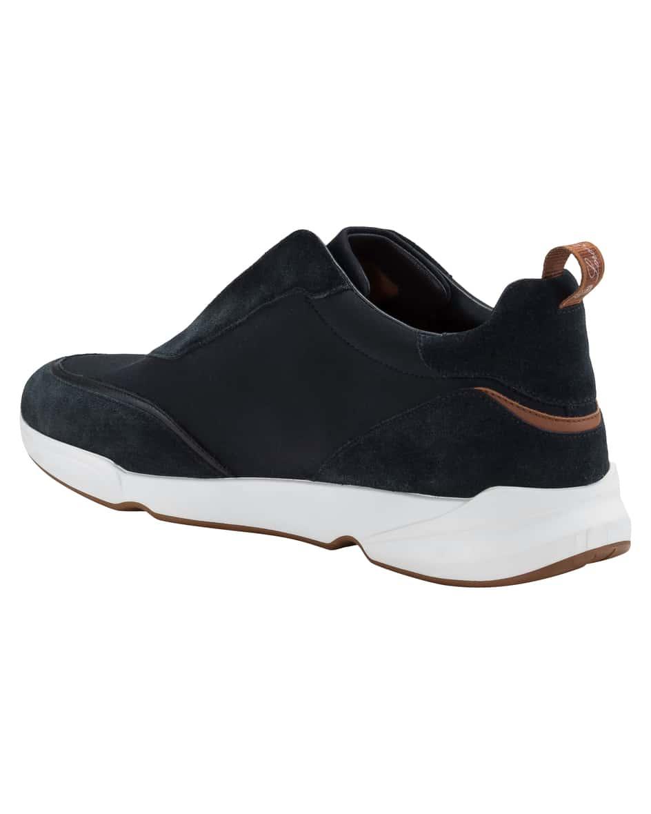 Sneaker 44